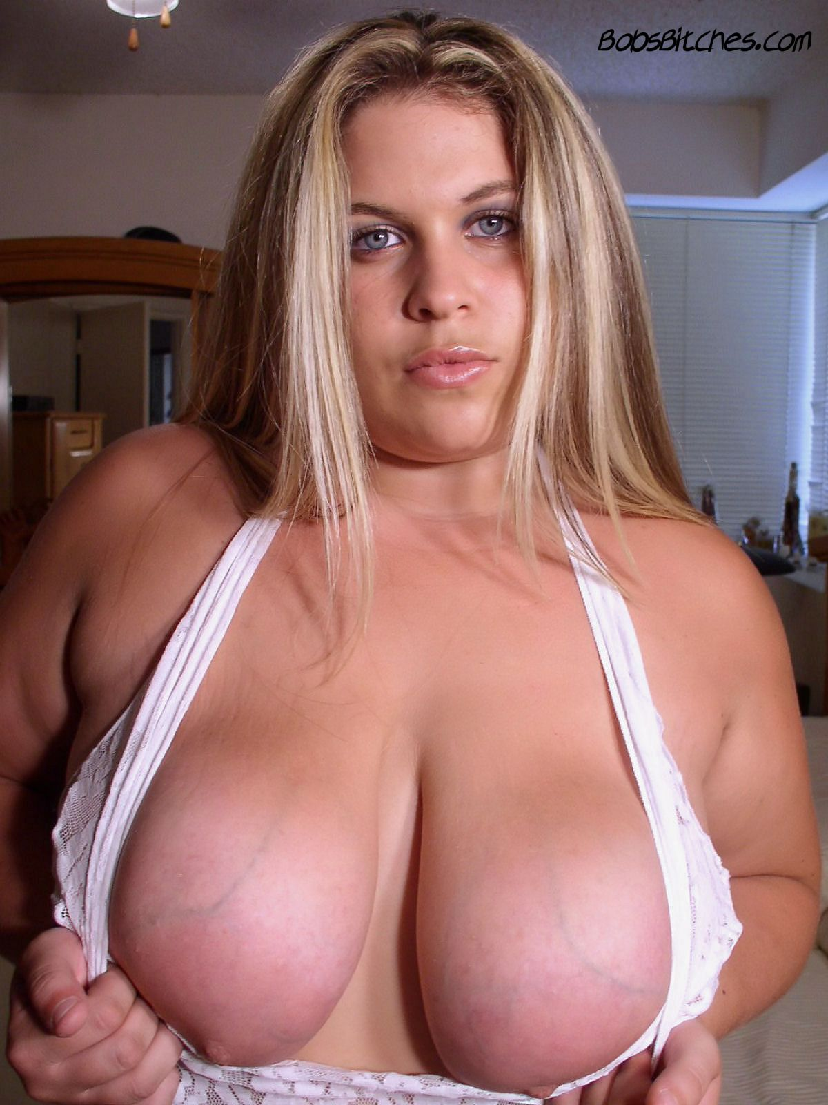 Blonde with big natural tits and deep cleavage. Say hello to Shannon.