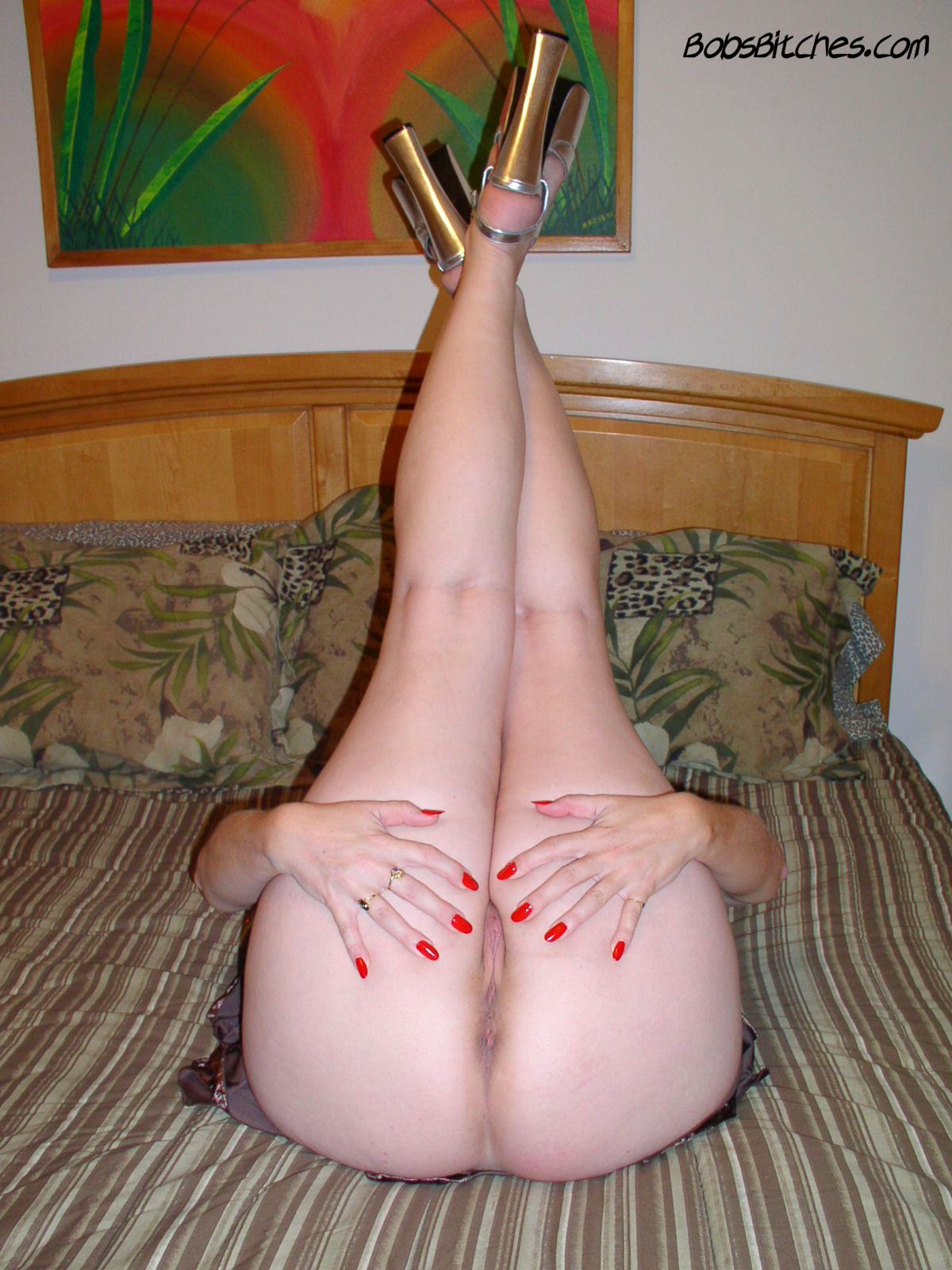 Fetish bitch milf Karen spreads her high heeled sexy legs to fuck.